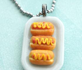 hotdog sandwich necklace